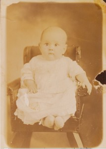 Viveline, the 2nd child, died as an infant.